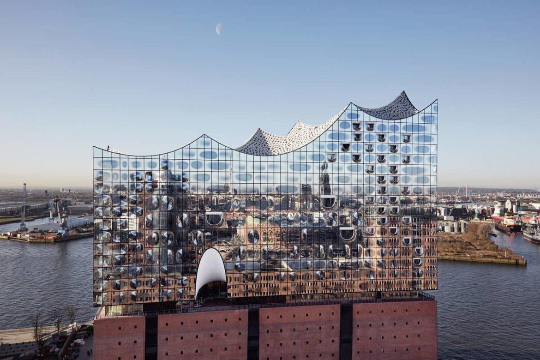 Подробнее о структурном остеклении фасадов
