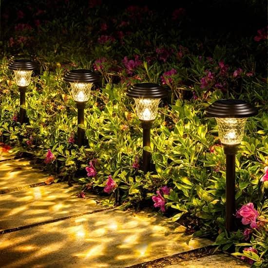 Такие изделия способны украсить любой сад!